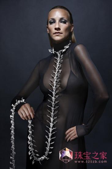 私人定制天价骨骼珠宝 这个暗黑风格吓死宝宝了