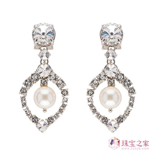 Miu Miu 全新女王珠宝系列