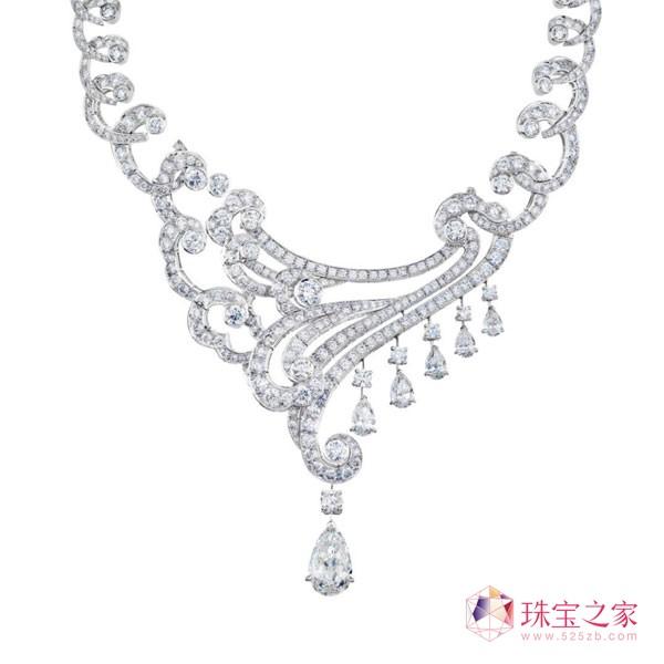 戴比尔斯全新Phenomena Sirocco 系列钻石珠宝