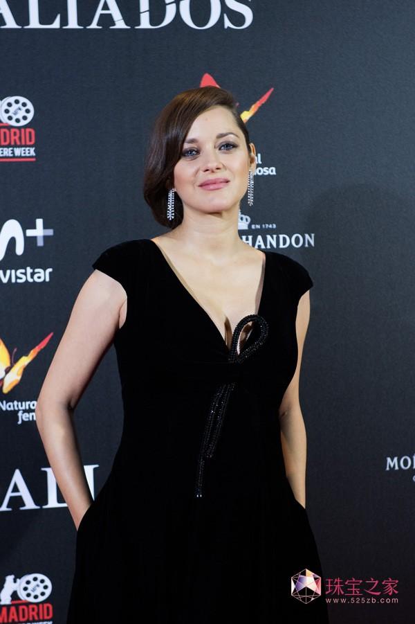玛丽昂·歌迪亚佩戴Chopard 出席电影首映式
