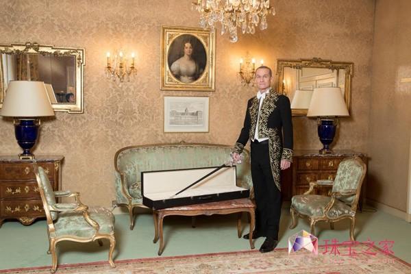 萧邦荣耀成为法兰西学院院士佩剑的设计和铸造