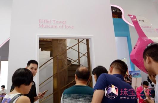 3000万私人飞机助阵:MLE超级婚戒引爆深圳珠宝展图片3.png