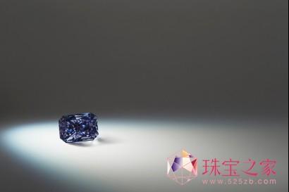 拍品5:Argyle Liberté™「阿盖尔丽贝得」,0.91克拉的雷迪恩形深彩灰紫钻