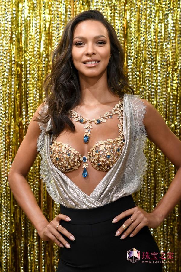 维密天使Lais Ribeiro 倾情演绎高端珠宝Fantasy Bra