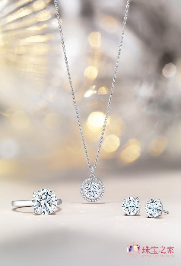 隆冬将近 戴比尔斯珠宝祝愿圣诞欢聚的喜悦