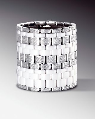 chanelultra戒指_这是一件现代,经典而充满艺术美感的高级珠宝,它突出了chanel的品牌