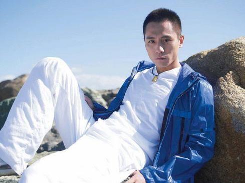 刘烨(刘烨的论坛 刘烨的图集 刘烨的明星村); 谢娜前男友刘烨照片