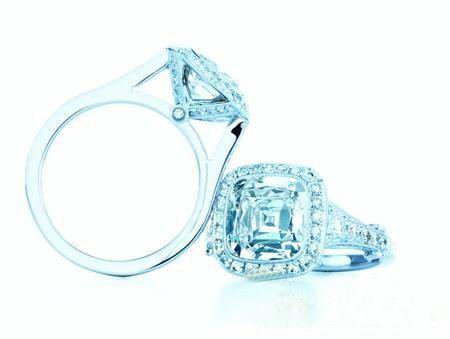 蒂芙尼钻戒的璀璨光华 Tiffany Legacy古董珠宝
