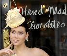别出心裁的伦敦巧克力婚纱