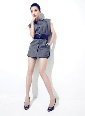 赵薇全新写真 变身时尚芭比娃娃