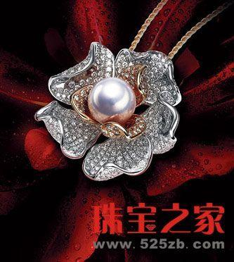 设计前沿 > 正文  北京故宫珍宝馆曾展出一支由珍珠,珊瑚,蓝宝石镶嵌