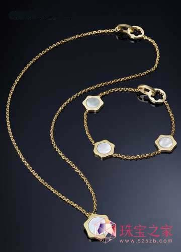 万宝龙4810珠宝系列设计脱胎自万宝龙六角白星标志的4810...