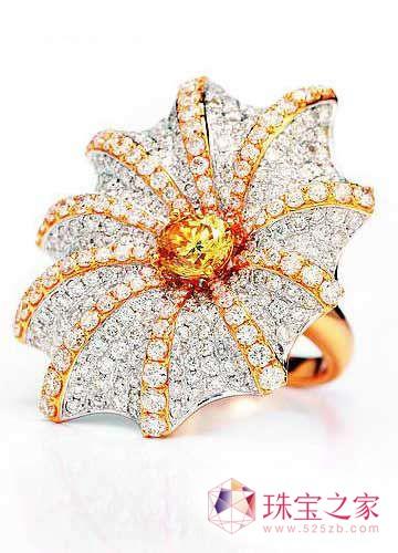 灿烂至极的高级花朵戒指