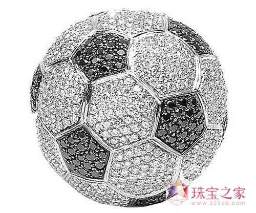 """全世界最贵的钻石""""足球"""""""