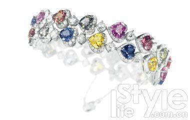"""代表爱情的珠宝要靠近""""心"""""""