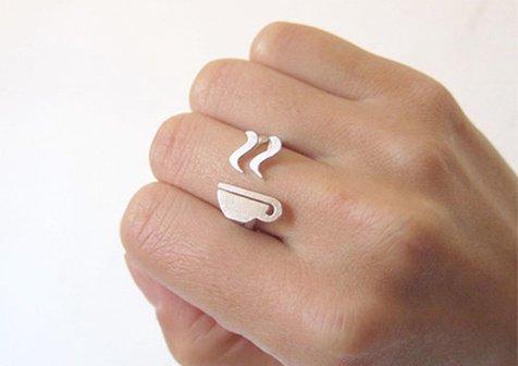 不同寻常的新奇戒指