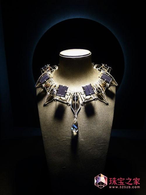 日冕微风(Corona Breeze Necklace)――水凤凰创意总监王美玲为2011世界设计大会台湾当代设计师联展特别设计