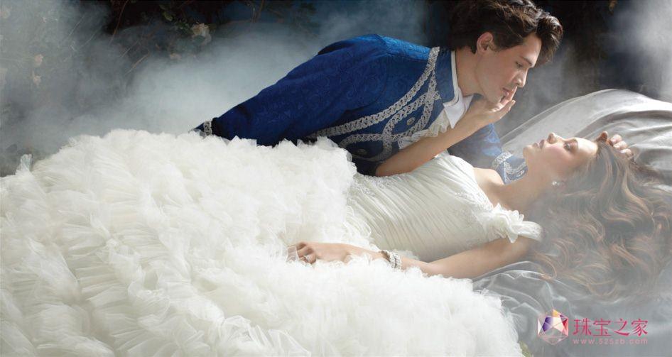 Disney联合Alfred Angelo推出童话婚纱珠宝