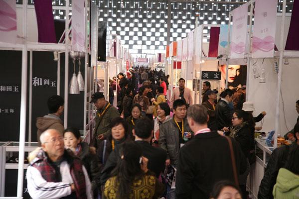2011上海国际黄金珠宝玉石展览会现场图
