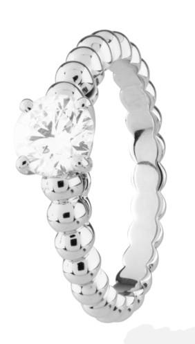 Perlée solitaire钻石戒指系列