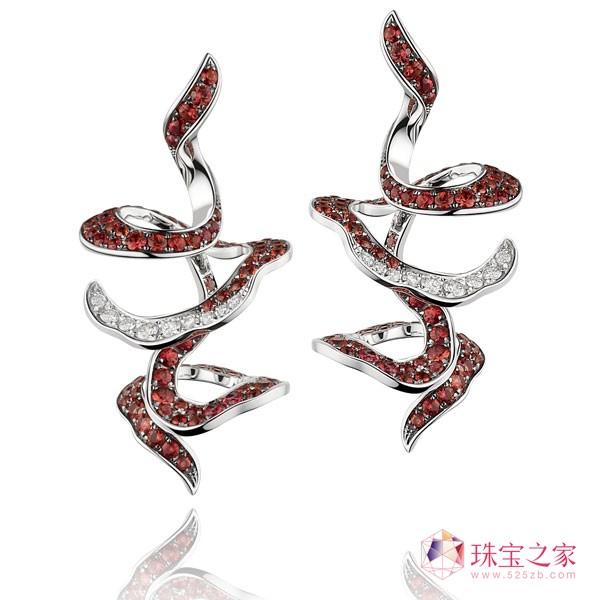 Ribbon Dance丝舞钻饰系列耳环,参考价格:RMB19,980~RMB39,980