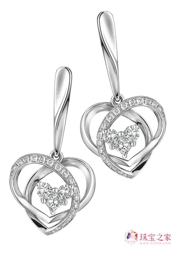 18K金「亮聚」系列心形钻石耳环,钻石重约0.28CT