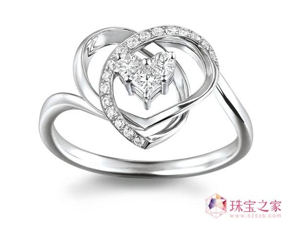 18K金「亮聚」系列心形钻石戒指,钻石重约0.26CT