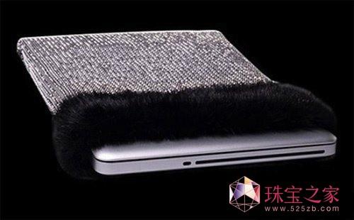 全球最贵的笔记本套面世 镶嵌8000颗钻石价值7千万