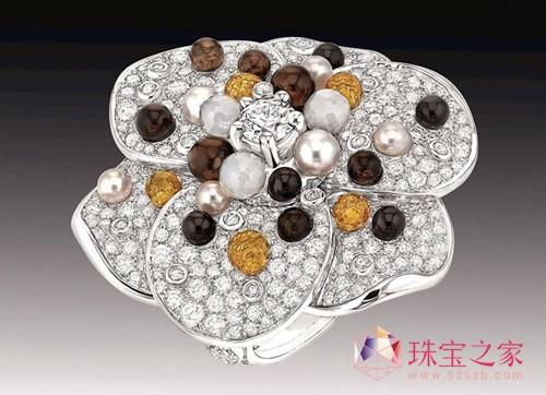 香奈儿全新的顶级珠宝Jardin de Camélias重释经典山茶花