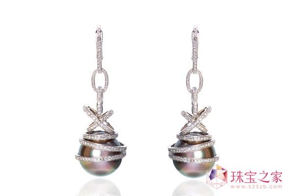 萧邦顶级订制珠宝耳环,18K白金材质镶嵌2颗银色珍珠