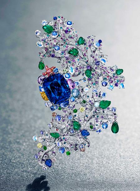 胡茵菲(Anna Hu)海之颂胸针 创当代珠宝拍卖纪录