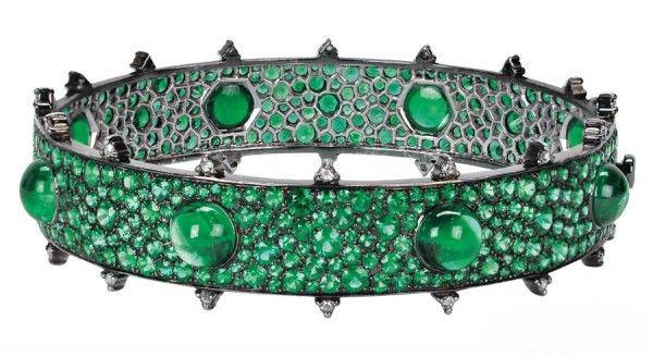 亚洲珠宝设计师开始崛起珠宝品牌:Nam Cho 的Gemfields手镯