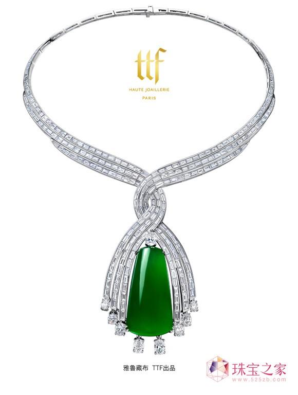 佩戴ttf高级珠宝的模特们穿梭于品味高雅的来宾之中