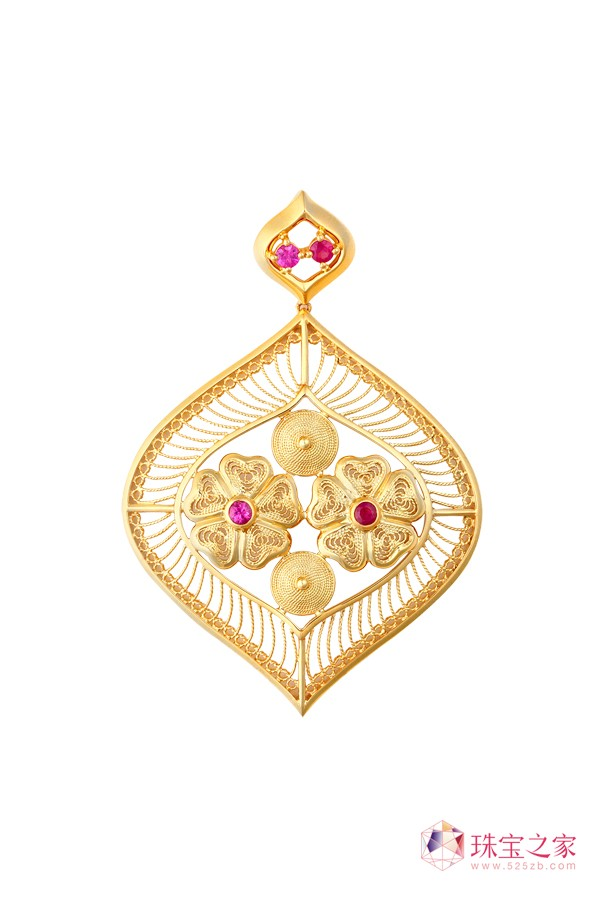 翠绿公司以独创的�钻石花丝工艺�解决了传统花丝首饰的高工费、难以量产等问题。6