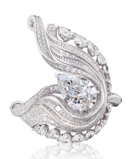 De Beers戴比尔斯钻石珠宝Imaginary Nature系列EMBRACE戒环羽毛珠宝 柔美轻盈之姿色