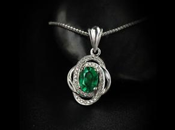 清凉一夏――夏季珠宝展祖母绿购买指南