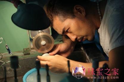 马瑞珠宝设计师Master Ma雕刻艺术珠宝作品鉴赏