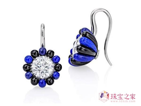 「午夜」耳环:各镶一颗圆形钻石,共重约4.01卡拉