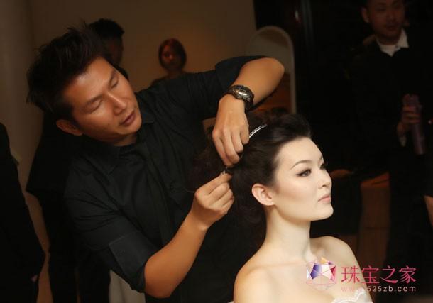香港著名发型师George Shum为元媛打造专属钻冕的发型
