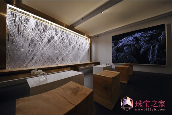爱彼收藏家会客厅由塞巴斯蒂安•艾拉祖里兹设计