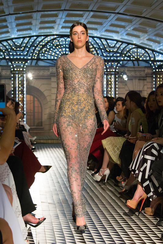 宝仕奥莎与高级订制婚纱晚装品牌KEVOLIE再度联手创造The Golden Era系列