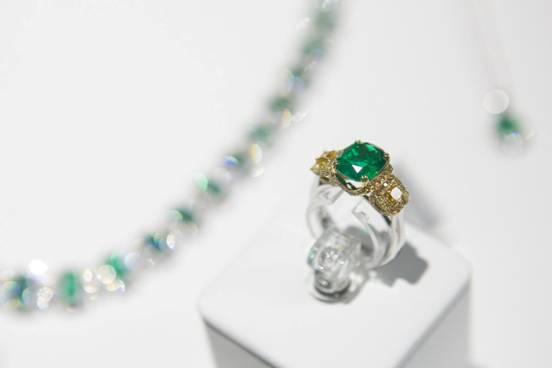 臻,享誉全球的著名高定珠宝