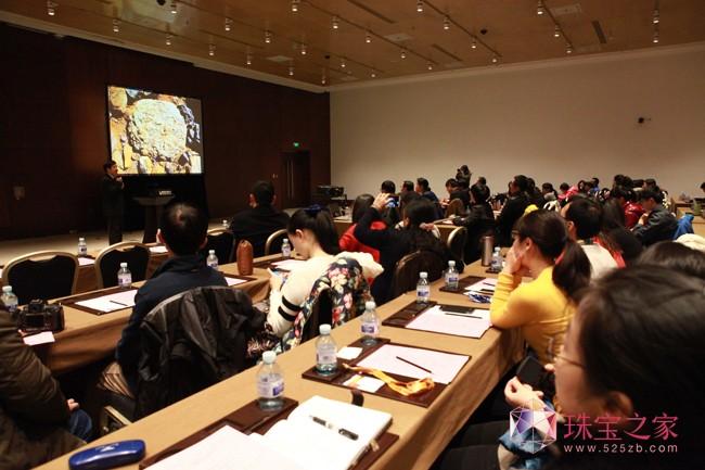 2016中国国际珠宝展即将开幕5