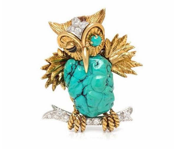 猫头鹰胸针,by David Webb估价:6000-8000美元腹部为一颗天然绿松石