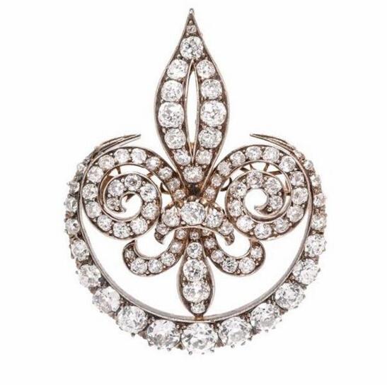 Fleur De Lys 胸针估价:5000-7000美元采用维多利亚风格