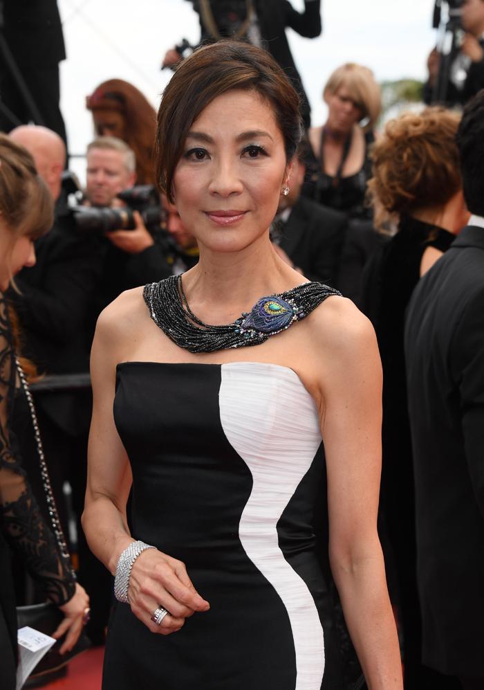 杨紫琼佩戴Chopard萧邦珠宝出席第70届戛纳电影节