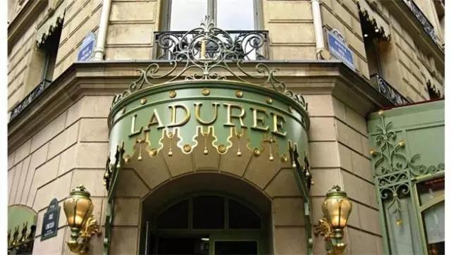 著名的LADUREE法式下午茶