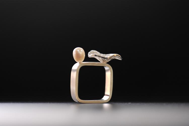 倪献鸥 珠宝设计美学倪尚作品-风荷珍珠方戒指