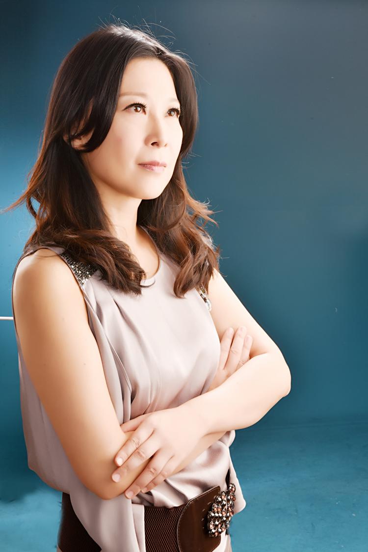 黄湘晴「形意合一顺势而为」的「后现代主义珠宝设计美学」